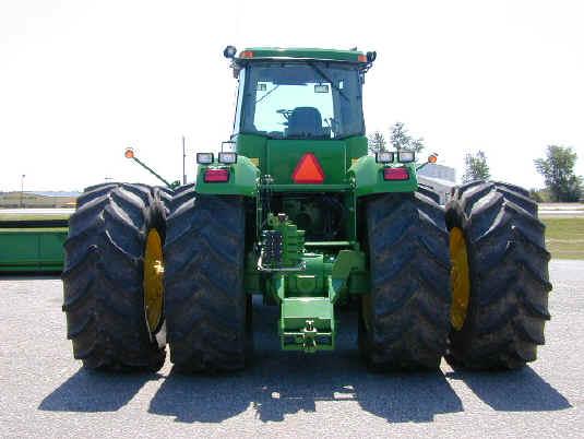 4 Wheel Drive Farm Tractors : Large four wheel drive tractor