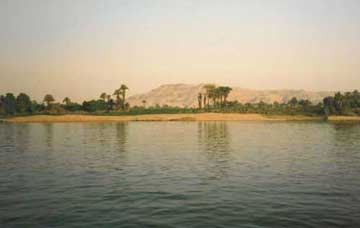 an overview of the nile river of the egyptian civilization The egyptian civilization the narrow strip of land on either side of the river nile is green and fertile while the western part of north africa is a desert.