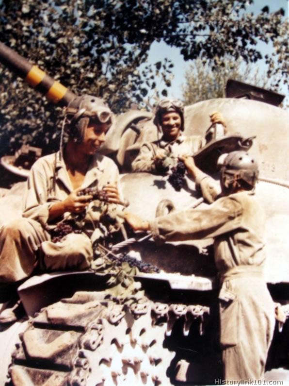 World War Vehicles. World War II Armor Vehicles