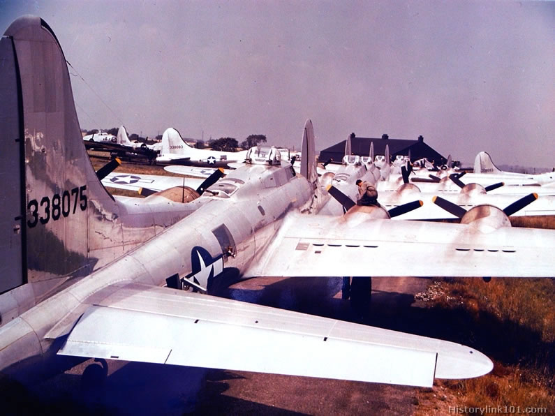 a study on the b 17s of world war two The airfield was used to train bomber crews during world war ii gowen field had head start on b-17 training before world war ii this study named idaho the.