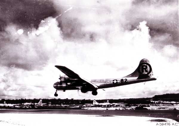 B-29 Superfortress Enola-gay-1